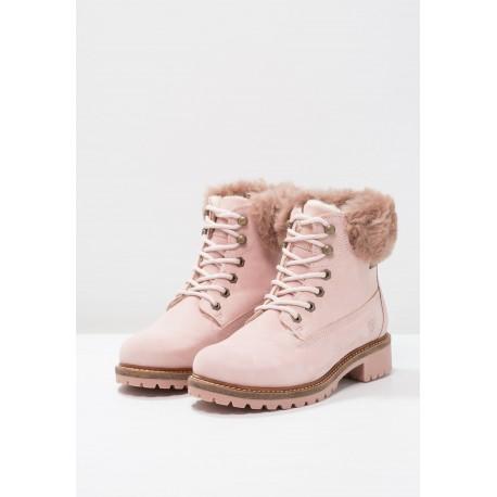 Botas rosas chica